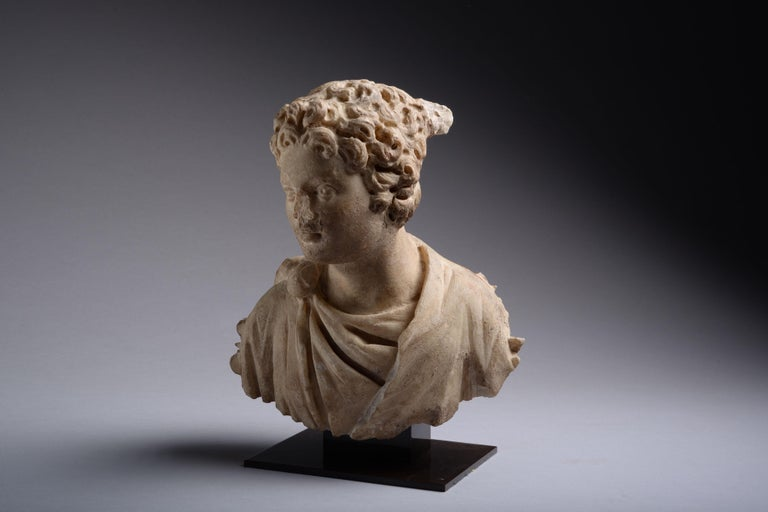 Ancient Roman Marble Bust of a Young Man, 150 AD For Sale 1