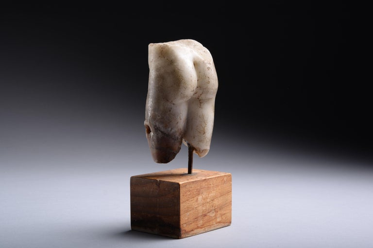 Ancient Roman Marble Figure of Venus Pudica, 150 AD In Excellent Condition For Sale In London, GB