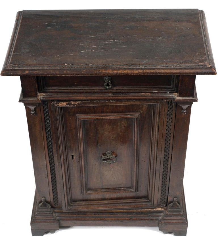 Italian Ancient Sideboard Renaissance Style, Italy End of the 19th Century For Sale