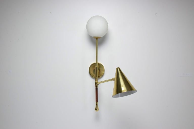 Ancora-IX Contemporary Brass Articulating Double Wall Light, Flow Collection In New Condition For Sale In Paris, FR