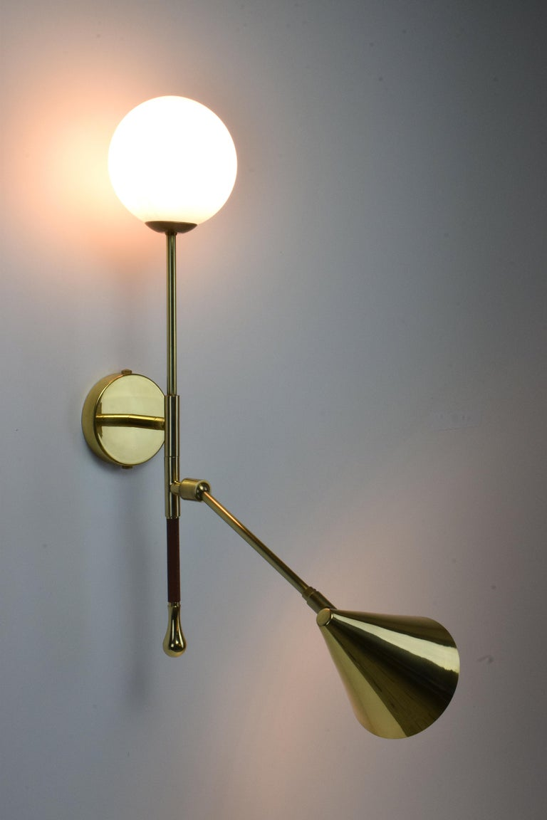 Ancora-IX Contemporary Brass Articulating Double Wall Light, Flow Collection For Sale 1