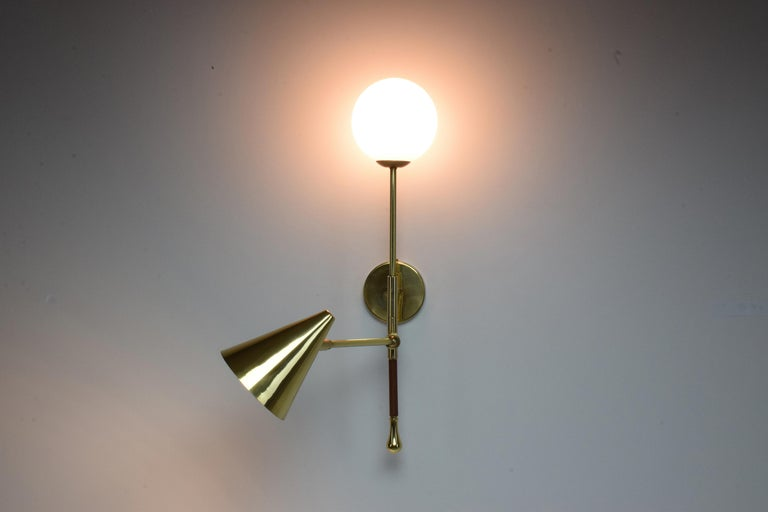 Ancora-IX Contemporary Brass Articulating Double Wall Light, Flow Collection For Sale 5