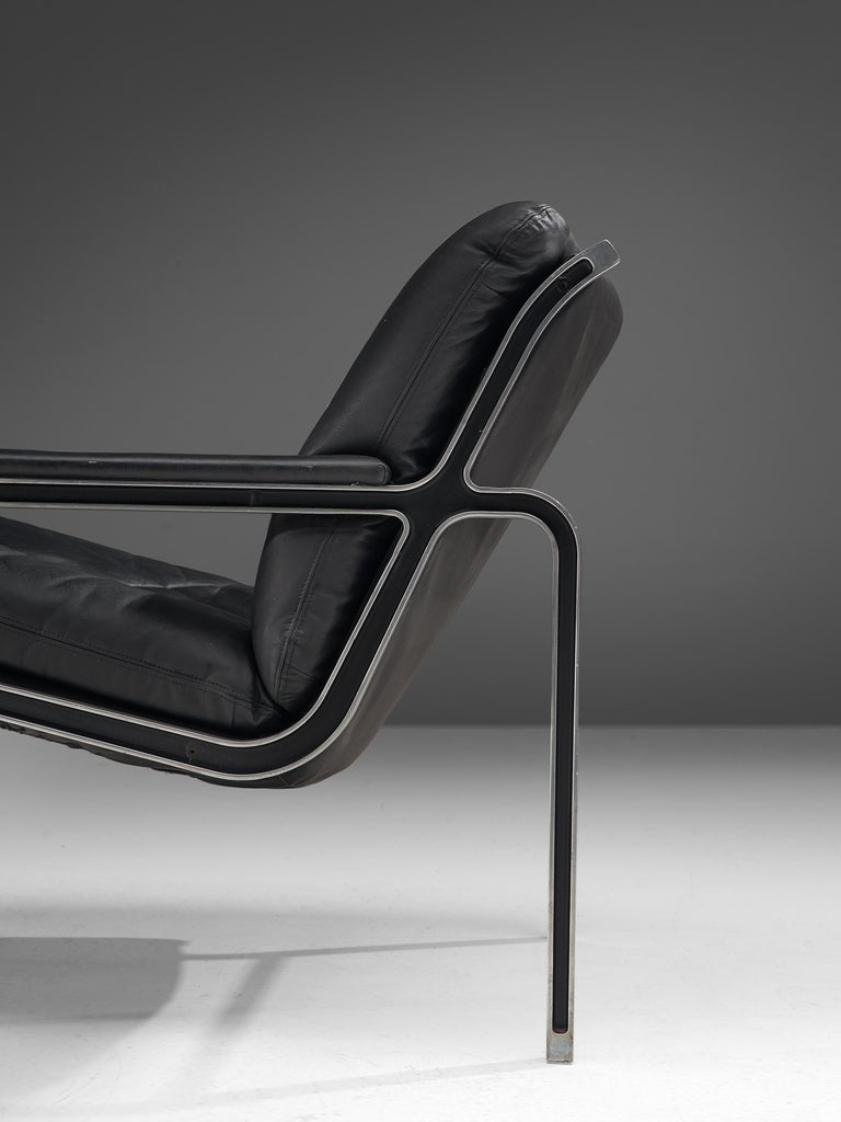 Andre Vandenbeuck Pair of 'Aluline' Lounge Chairs in Black Leather For Sale 1