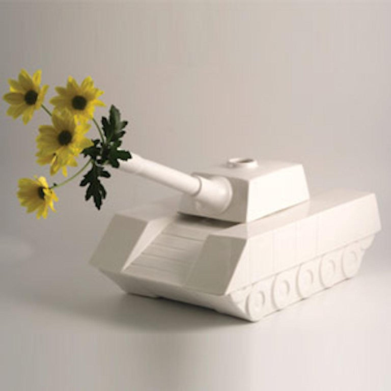 Love tank ceramic sculpture Love Tank collection, designed by Andrea Visconti for Superego Editions. Limited edition of 99 pieces. Signed and numbered.