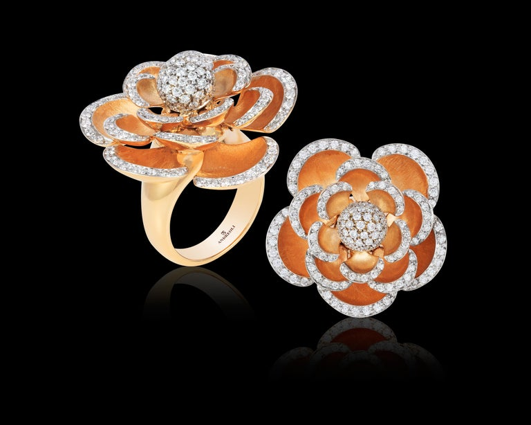 Women's Andreoli Diamond 18 Karat Rose Gold Flower Cocktail Ring with Movable Petals For Sale