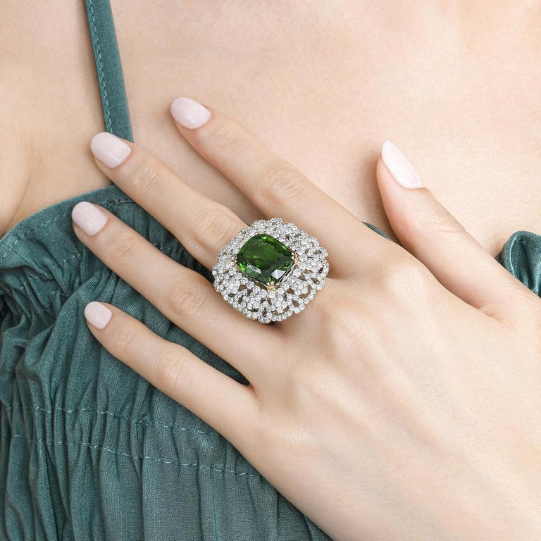 Andreoli Peridot and Diamond Cocktail Ring For Sale 1