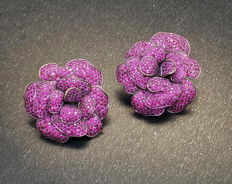 Andreoli Pink Sapphire Titanium Flower Clip-On Earrings In New Condition For Sale In New York, NY
