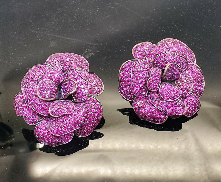 Men's Andreoli Pink Sapphire Titanium Flower Clip-On Earrings For Sale