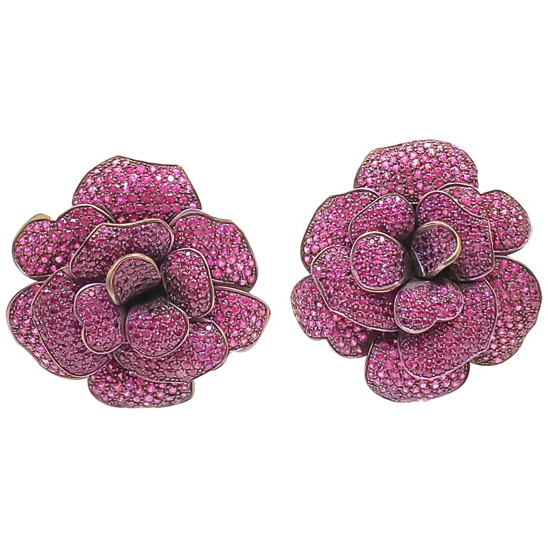 Andreoli Pink Sapphire Titanium Flower Clip-On Earrings For Sale