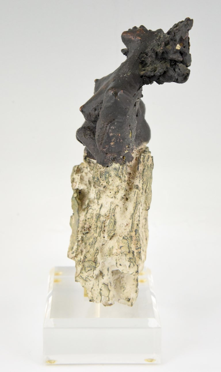 Andres Peralta Sculpture Nude on a Rock 1980 Spain In Good Condition For Sale In Antwerp, BE
