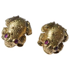 Andrew Clunn 1980s 18 Karat Yellow Gold Frog Earrings
