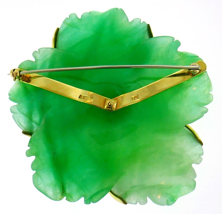 Andrew Clunn Chrysoprase Yellow Gold Pin Brooch Clip with Pearl Accent In Excellent Condition For Sale In Beverly Hills, CA