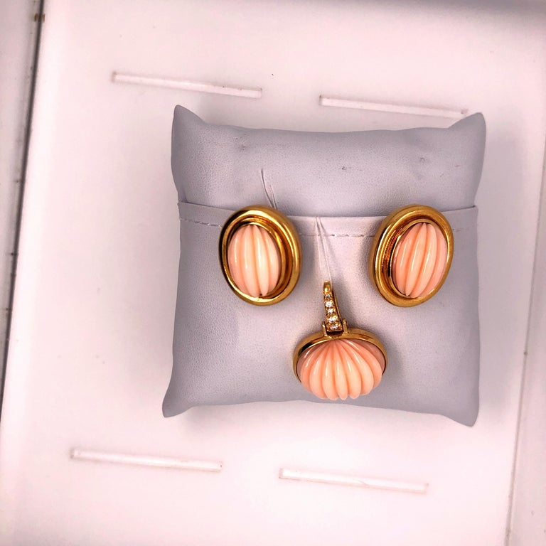 Andrew Clunn Yellow Gold Diamond and Carved Coral Earring and Pendant Set For Sale 4