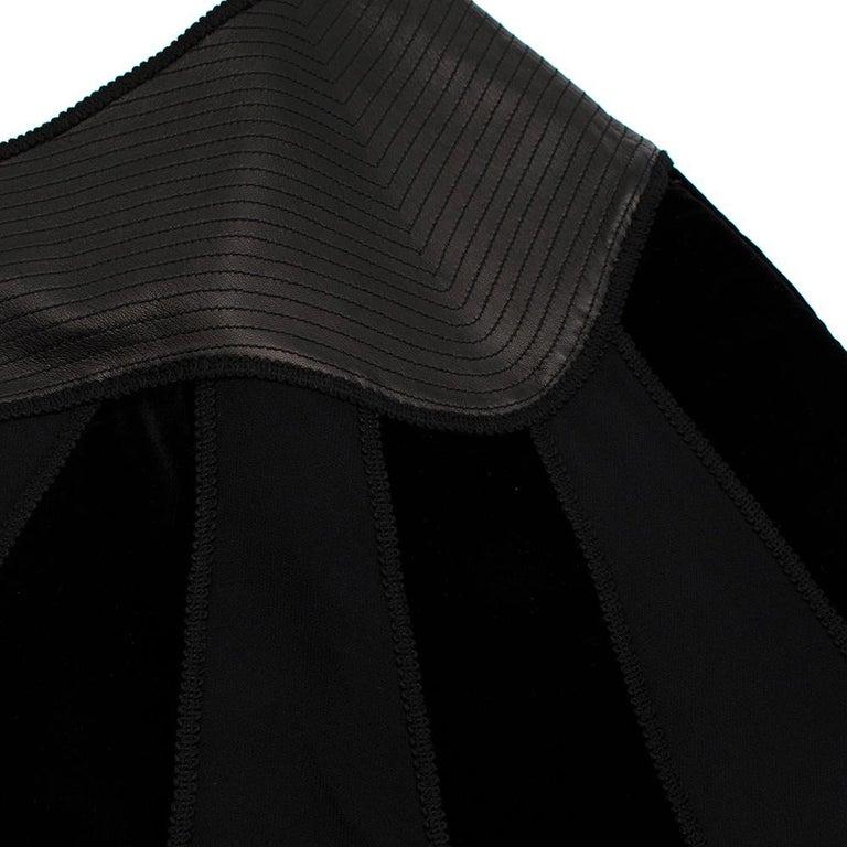 Women's or Men's Andrew GN Black Contrast Panelled Scallop Hem Mini Skirt FR40 For Sale