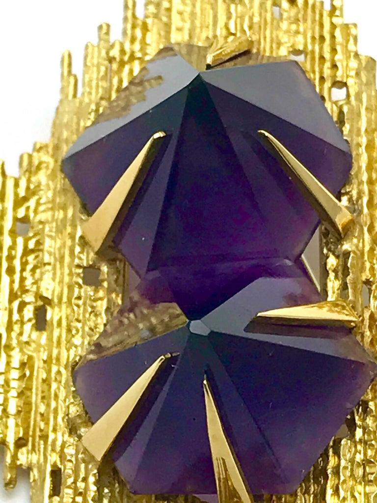 Andrew Grima Amethyst and Yellow Gold Pendant Brooch For Sale 5
