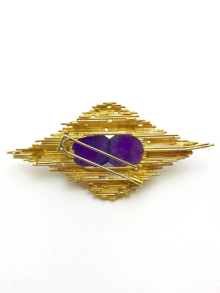 Retro Andrew Grima Amethyst and Yellow Gold Pendant Brooch For Sale