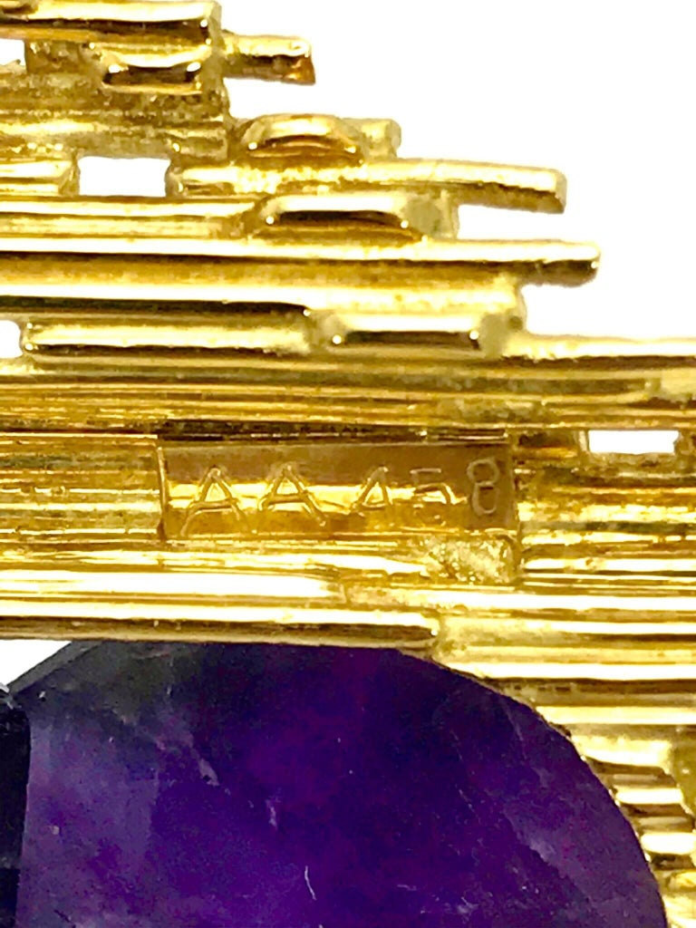 Women's or Men's Andrew Grima Amethyst and Yellow Gold Pendant Brooch For Sale