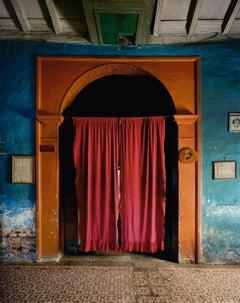 Cortina Roja, Sancti Spiritus, 1999  - Andrew Moore (Colour Photography)