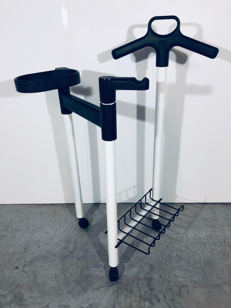 White metal and black plastic valet by Andries Van Onck for Magis. Made in Italy, 1980s.  2 available.