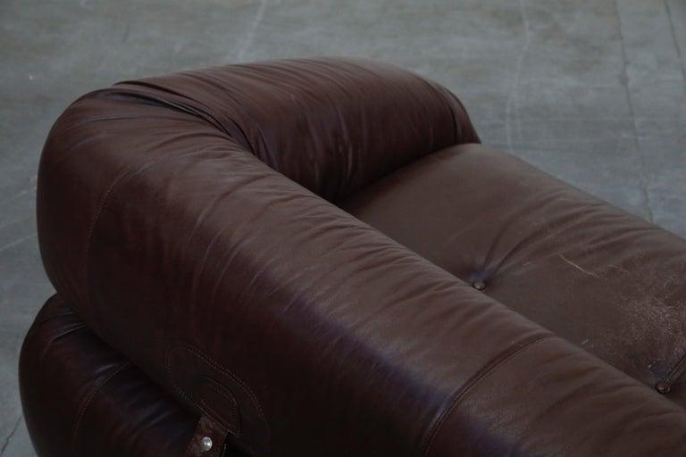 'Anfibio' Convertible Sofa Bed by Alessandro Becchi for Giovanetti 1970s, Signed For Sale 10