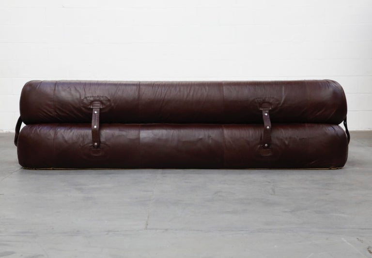 Late 20th Century 'Anfibio' Convertible Sofa Bed by Alessandro Becchi for Giovanetti 1970s, Signed For Sale