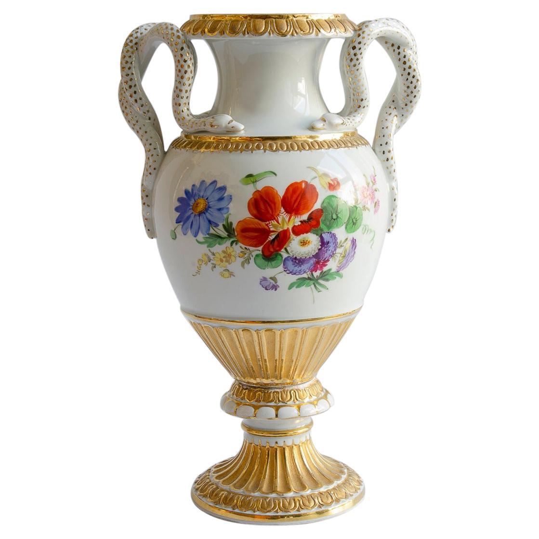 Anfora Meissen Porcelain Material
