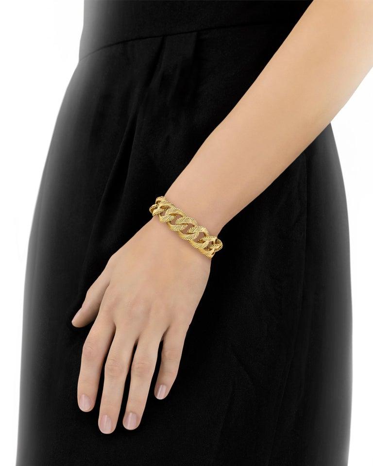 Women's Angel Hair Gold Link Bracelet by Van Cleef & Arpels For Sale