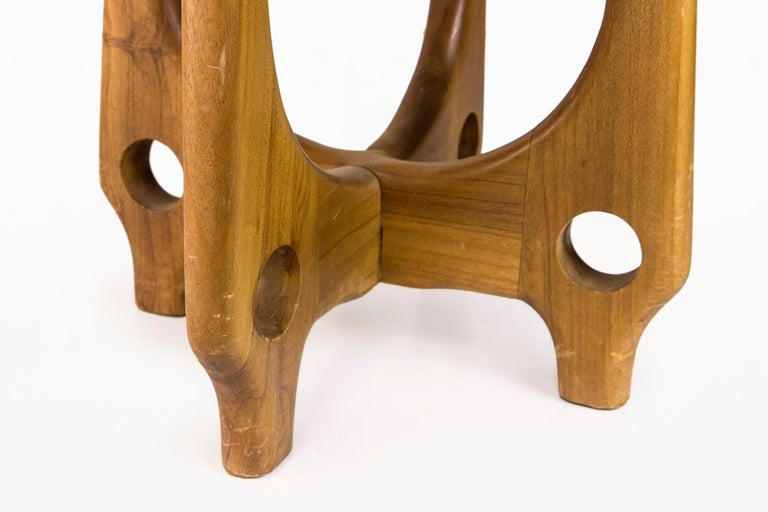 Angel Pazmino, Pair of Armchairs with Side Table, Wood and Leather, circa 1970 For Sale 7