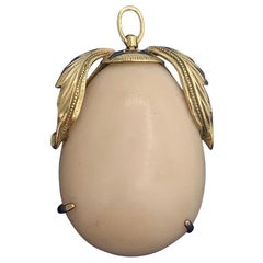 Angel Skin Coral 14 Karat Gold Pear Pendant Brooch Necklace Antique Retro