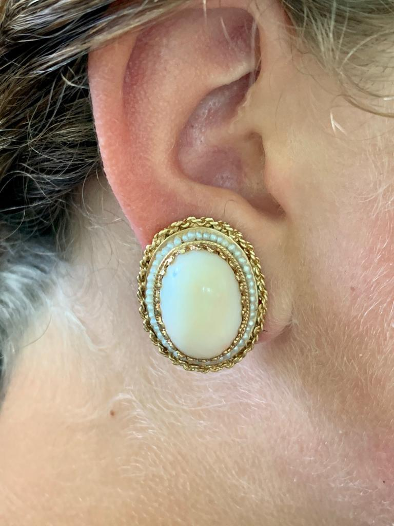 Angel Skin Coral 14 Karat Gold Clip-On Earrings In Excellent Condition For Sale In St. Louis Park, MN