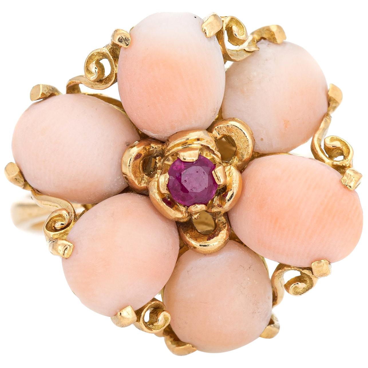 Angel Skin Coral Ruby Ring 1970s Vintage 18 Karat Yellow Gold Flower Jewelry