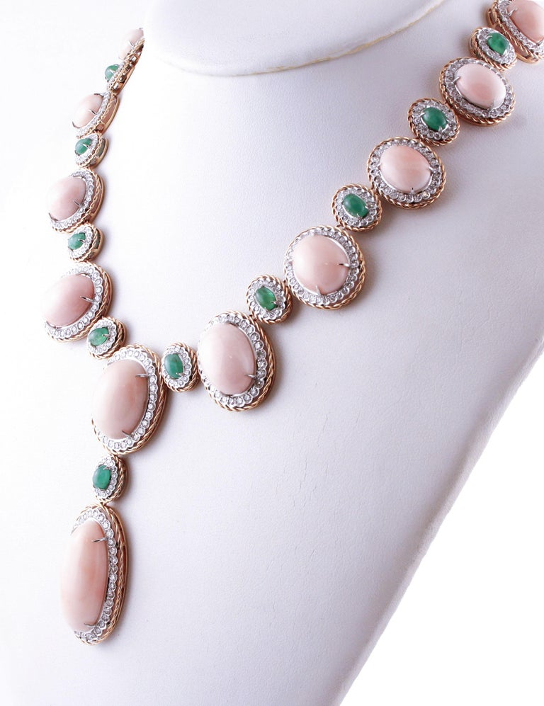 Retro Oval Shape Pink Coral, Diamonds, Emeralds, Rose White Gold Necklace For Sale