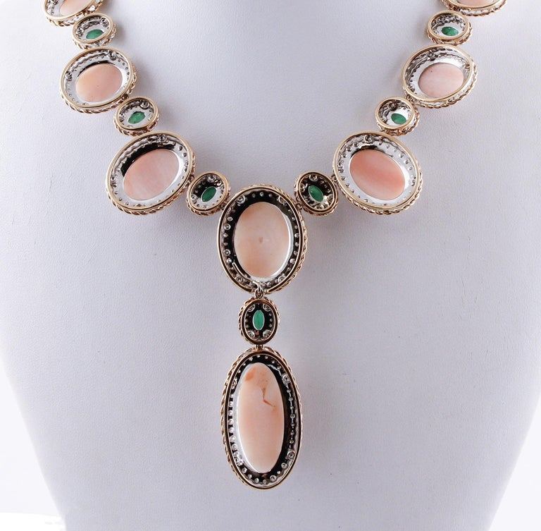 Oval Shape Pink Coral, Diamonds, Emeralds, Rose White Gold Necklace In Excellent Condition For Sale In Marcianise, Caserta