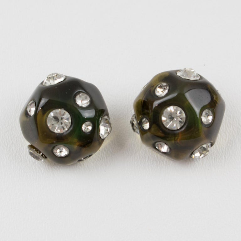Angela Caputi Jeweled Olive Green Clip Earrings In Excellent Condition For Sale In Atlanta, GA