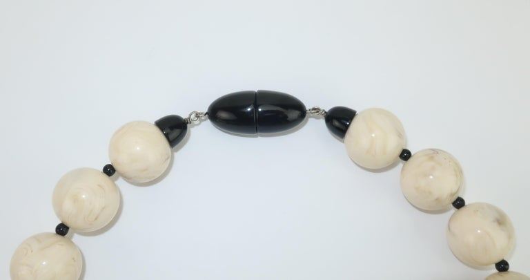 Art Deco Angela Caputi Resin Bead Asian Inspired Necklace For Sale