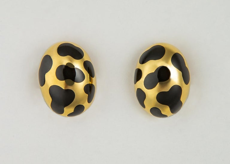 Contemporary Angela Cummings Black Jade and Gold Earrings For Sale