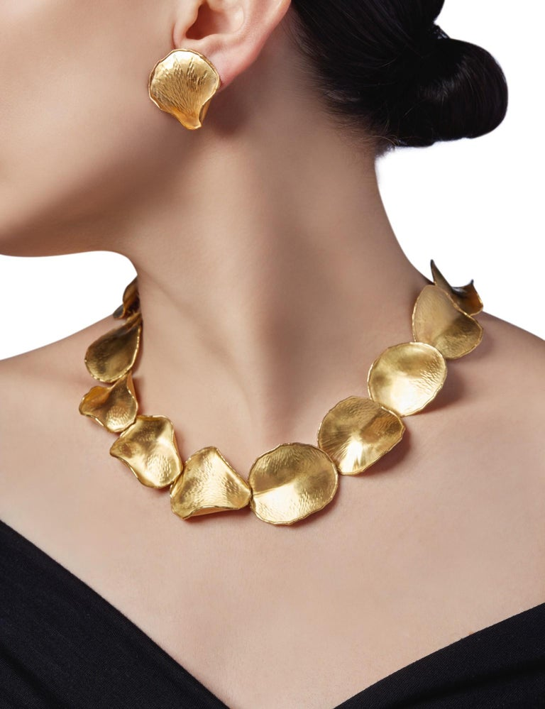 Angela Cummings for Tiffany & Co. 18K Gold Rose Petal Necklace and Earclips Set For Sale 6