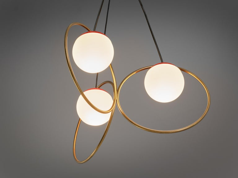 Angelo Brotto for Esperia Chandelier in Red Metal, Brass and Opaline Glass In Good Condition For Sale In Waalwijk, NL
