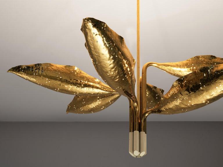 Angelo Lelii for Arredoluce Chandelier Model '12369' in Hammered Brass In Good Condition In Waalwijk, NL