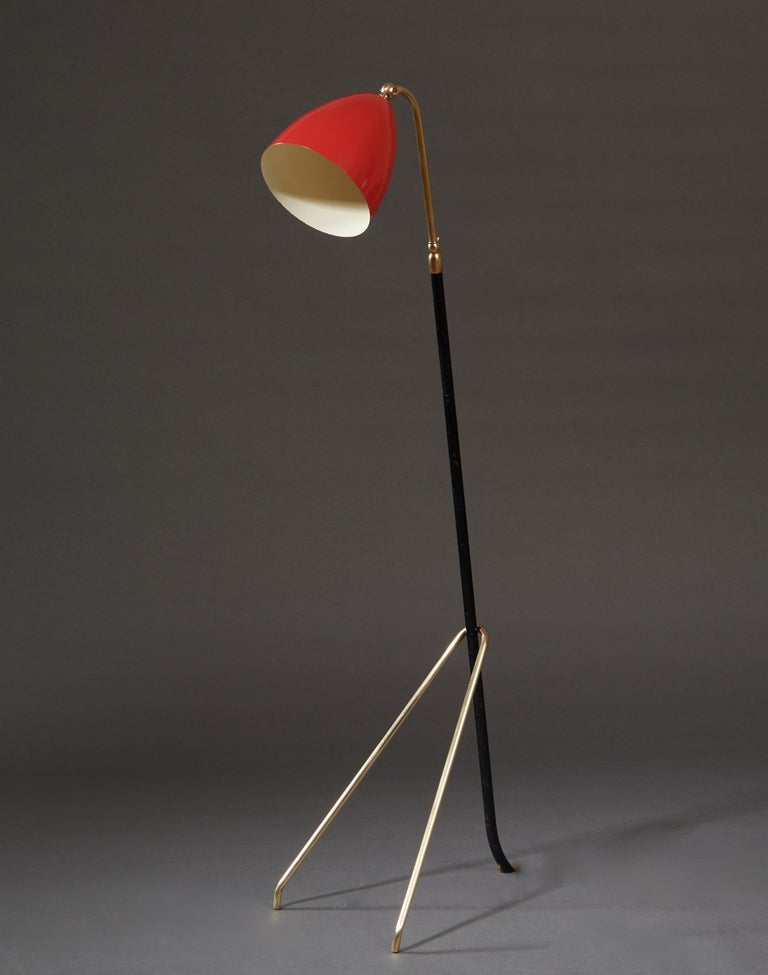 Angelo Lelii for Arredoluce Extendable Height Floor Lamp in Brass, Red Lacquer For Sale 2