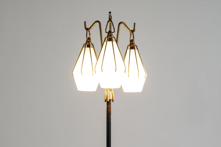 Angelo Lelii Metallic Floor Lamp with Three Glass Elements Arredoluce, 1950 In Good Condition For Sale In Montecatini Terme, IT