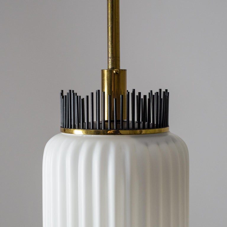 Angelo Lelii Pendant for Arredoluce, circa 1959, Brass and Ribbed Satin Glass In Good Condition For Sale In Vienna, AT