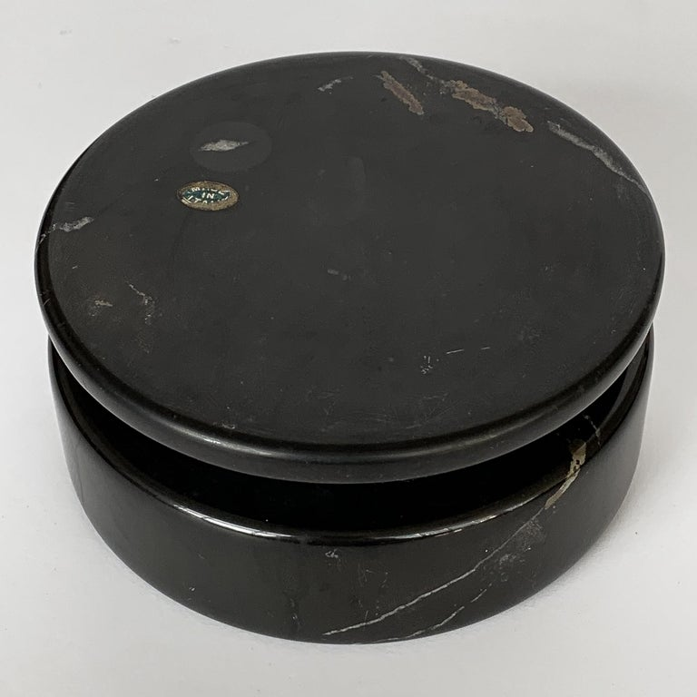 Mid-20th Century Angelo Mangiarotti Black Marble Ashtray for Knoll International For Sale