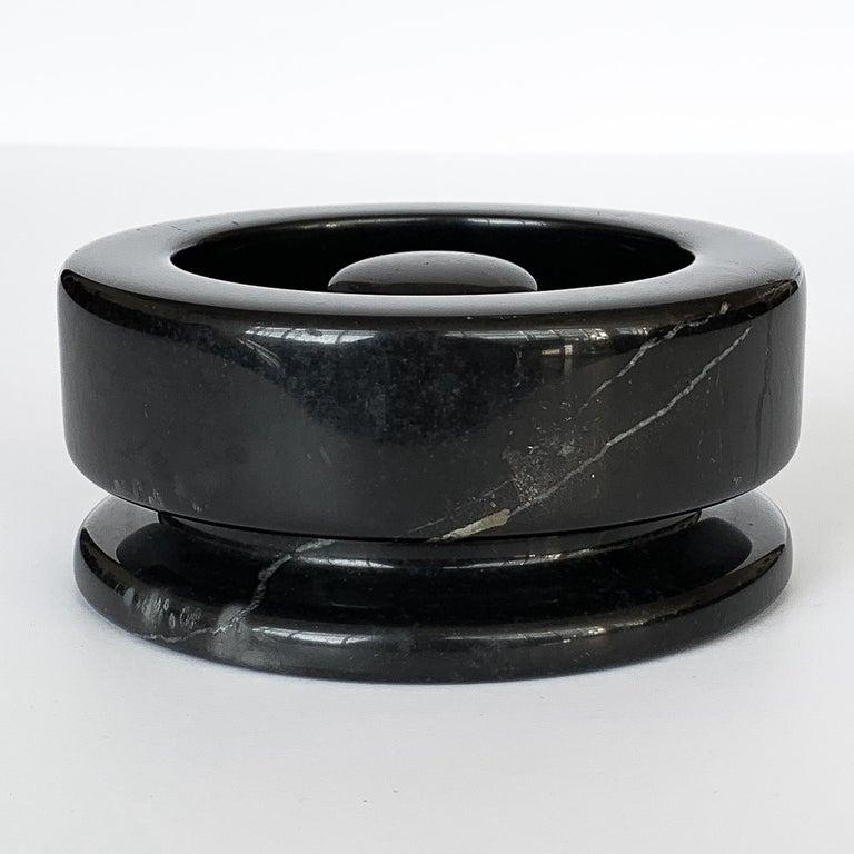 Angelo Mangiarotti Black Marble Ashtray for Knoll International For Sale 2