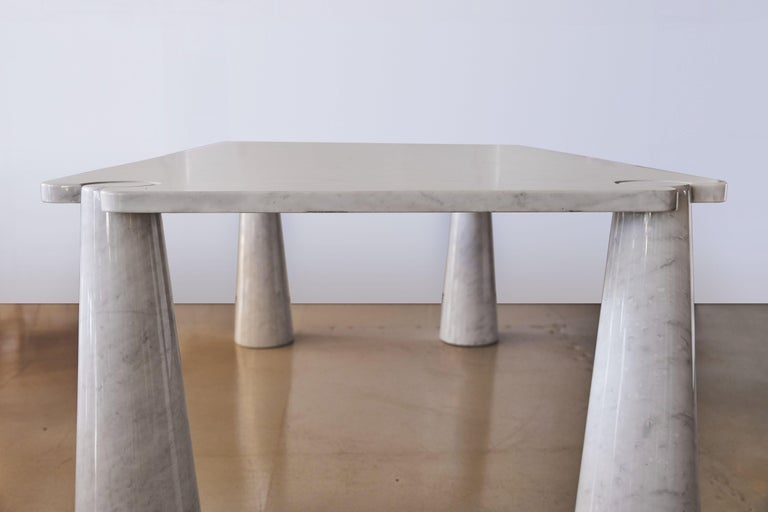 Rare marble dining table by Angelo Mangiarotti. Rectangle shape with Carrara marble.