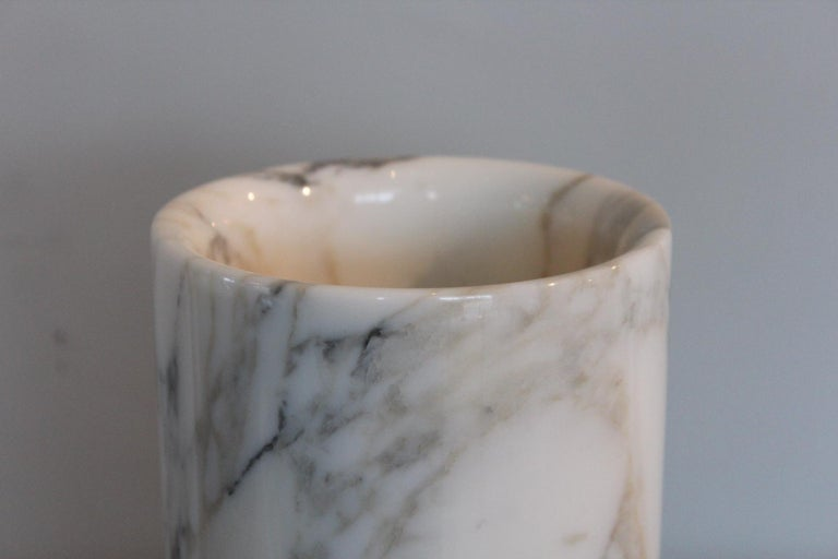 Angelo Mangiarotti Double Sided Marble Vase In Good Condition For Sale In Dallas, TX
