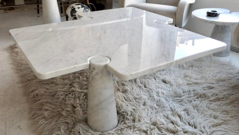 Mid-Century Modern Angelo Mangiarotti Eros Collection Freccia White Carrara Marble Coffee Table For Sale