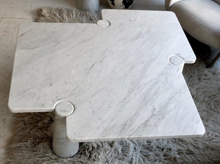 Angelo Mangiarotti Eros Collection Freccia White Carrara Marble Coffee Table In Good Condition For Sale In Chicago, IL