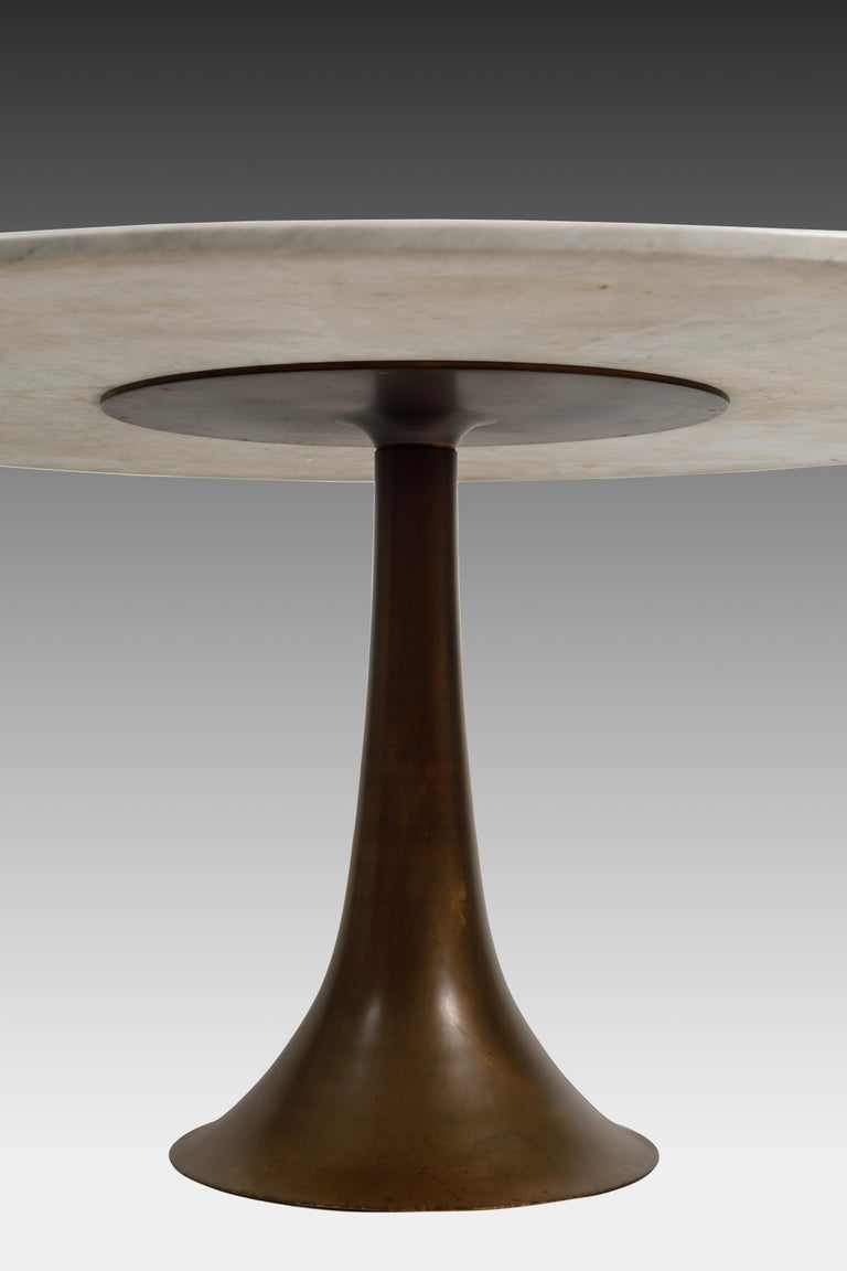 Angelo Mangiarotti for Bernini Carrara Marble and Bronze Dining / Center Table In Good Condition For Sale In Chappaqua, NY