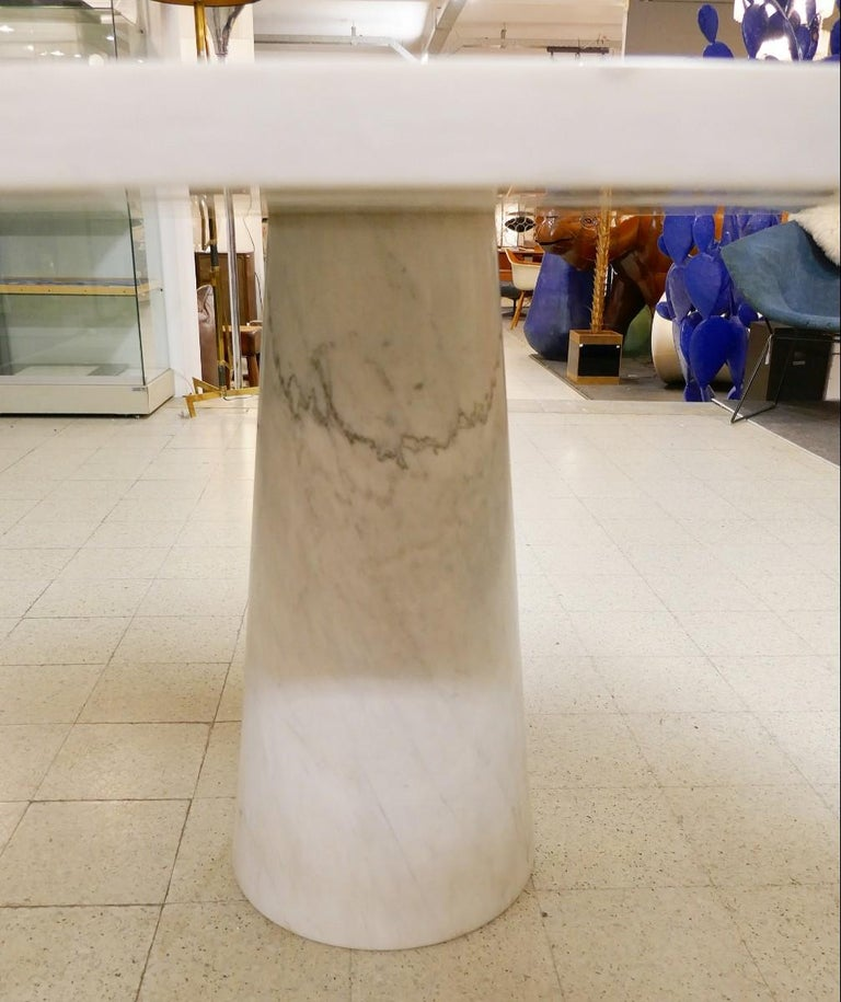 Angelo Mangiarotti Marble Round Dining Table, 1970s In Good Condition For Sale In Brussels, BE